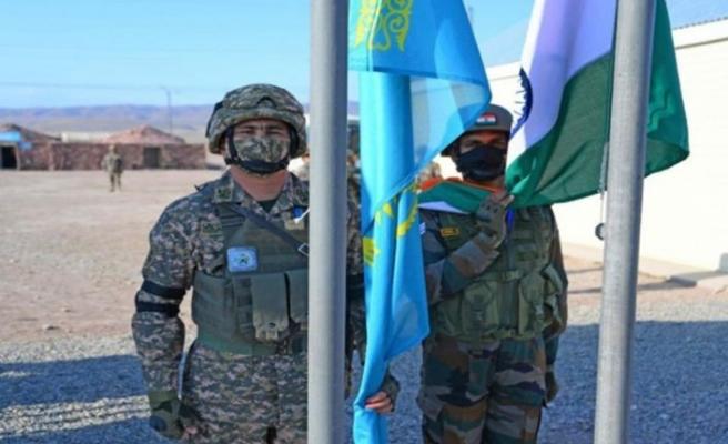 Kazakistan ve Hindistan ortak askeri tatbikata başladı