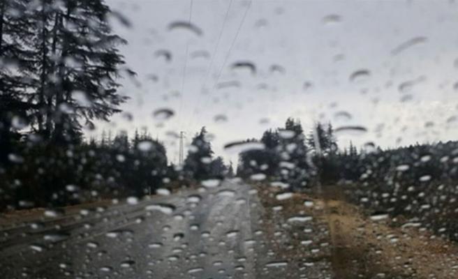 Yağışlı havayla birlikte hava sıcaklığı da düşecek ilerleyen günlerde yine yükselecek