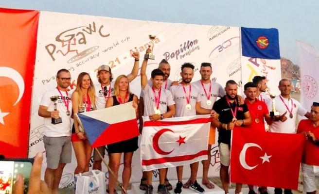 Yamaç Paraşütü Milli Takımı şampiyon