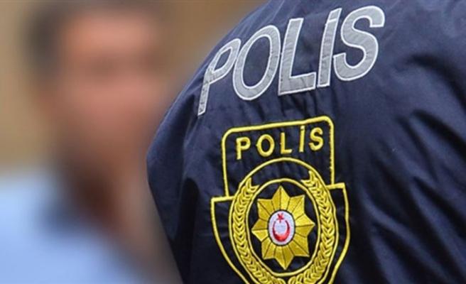 Bir araçta silah ve canlı mermiler ele geçirildi: 4 kişi tutuklandı