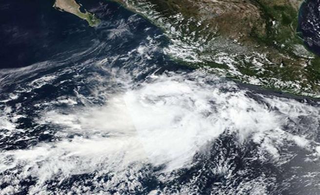 Meksika'nın pasifik kıyılarında Pamela fırtınası görüldü