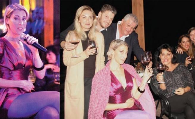 Michal Shapira eşliğinde caz ile şarabın dansı