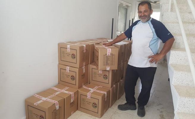 Gıda paketleri dağıtıldı