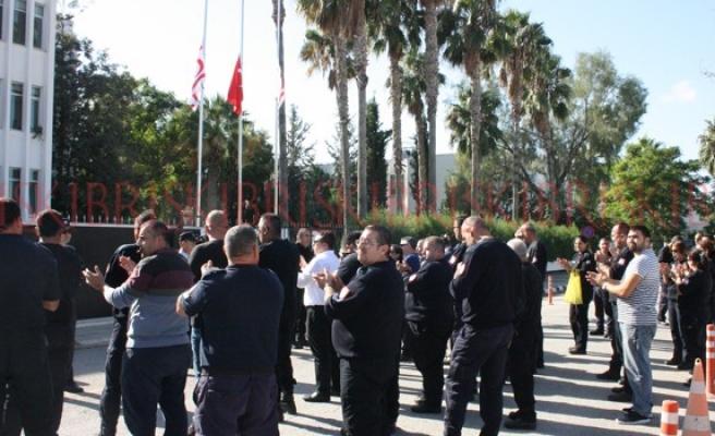 Gardiyanlar, Başbakanlık önünde eylem yapıyor