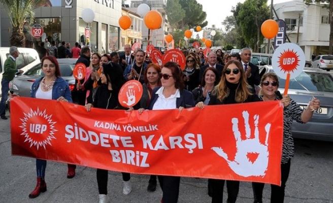 UBP'li kadınlardan 'Kadına Yönelik Şiddete Karşı Biriz' yürüyüşü…