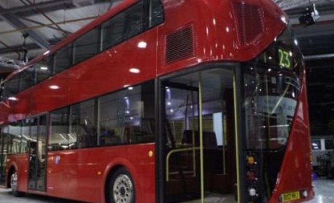 İki katlı kırmızı otobüsler Limasol'a da geldi