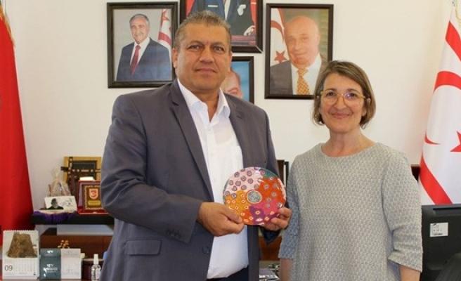 Avustralya Federal Milletvekili Arter'i ziyaret etti