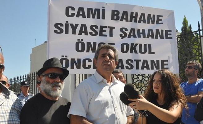 Erdoğan gelmeden protestolar başladı