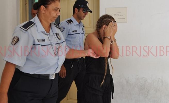 Kendini ve çocuklarını internet üstünden pazarlayan kişi tutuklandı