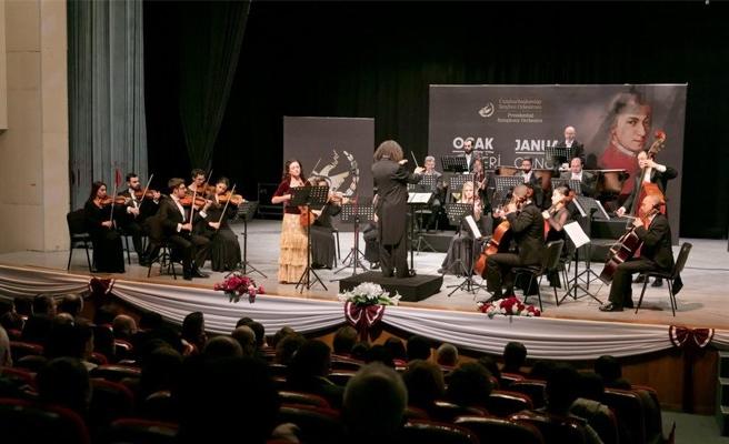 Senfoni Orkestrası 2017'nin ilk konserinde büyüledi