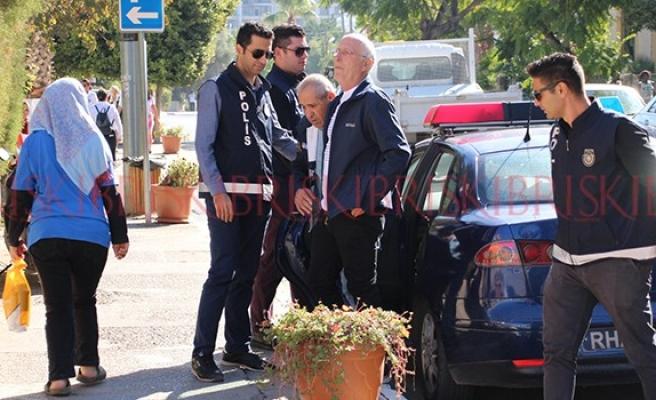 İsrailli turistler, cezaevinin yolunu tuttu