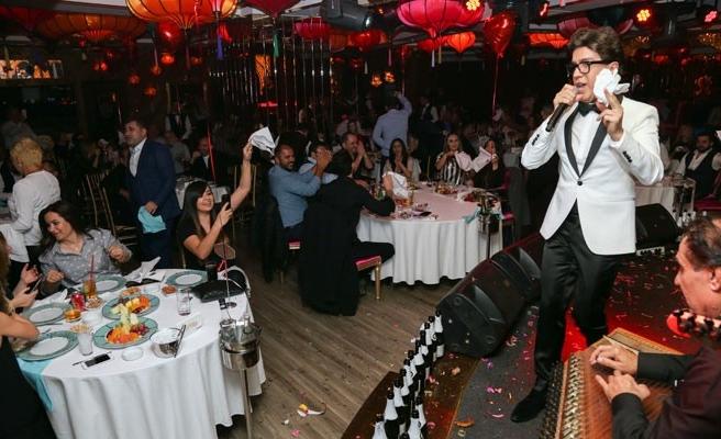 Yılmaz Morgül'e, 300 şişe şampanya