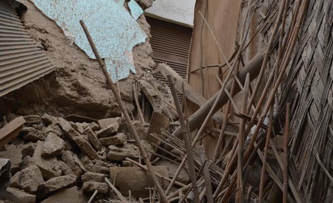 Surlariçi'ndeki evler tek tek yıkılıyor