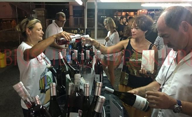 Limasol'da şaraplar su gibi akıyor