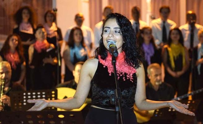 LBO sezona halk müziği konseriyle başladı