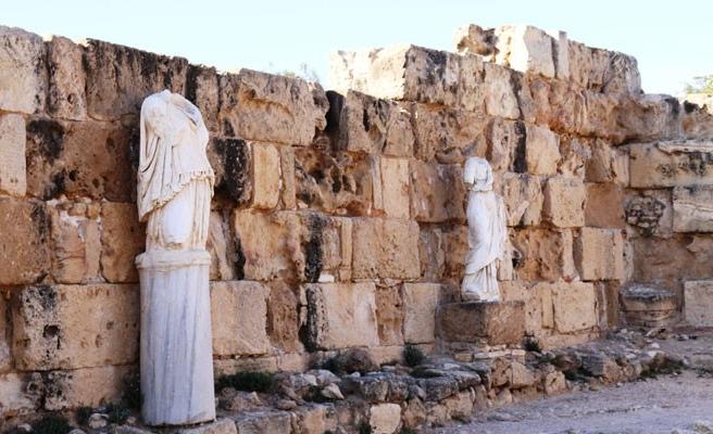 Salamis Antik Kenti, S.O.S veriyor