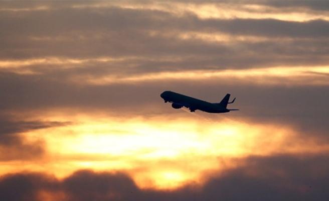 Yolcu uçağı unutulan kalp nedeniyle geri döndü