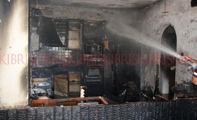 Buzdolabındaki kısa devre evi yaktı
