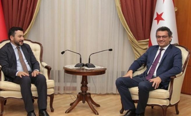 Erhürman, İslam Konferansı Gençlik Formu Başkanını kabul etti