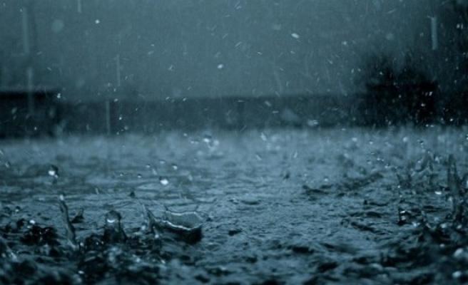 Sağanak yağmur pazar gününe kadar sürecek