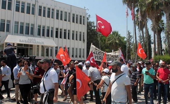 Karpaz Halkının yaptığı eylem başbakanlık önünde tamamlandı
