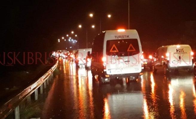 Özhan - Kılıçaslan yolu trafiğe kapatıldı