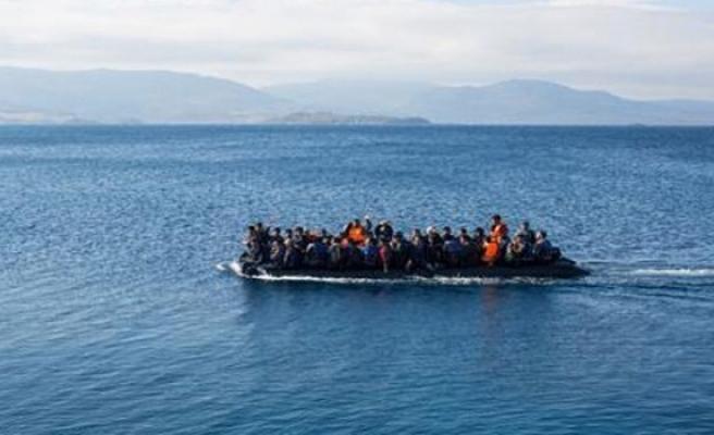 Mülteciler Girne Limanı'nda bekletiliyor!