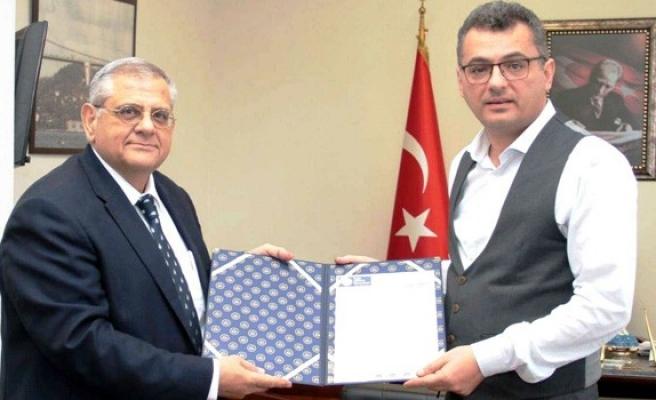 Erhürman DAÜ Rektörü Osam'ı kabul etti