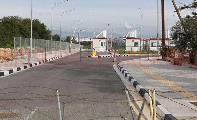 Karayiannis: Derinya'da mağaza ya da benzin istasyonu yok
