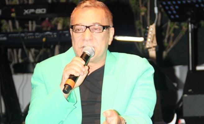 Mehmet Ali Erbil'in sağlık durumu kritik
