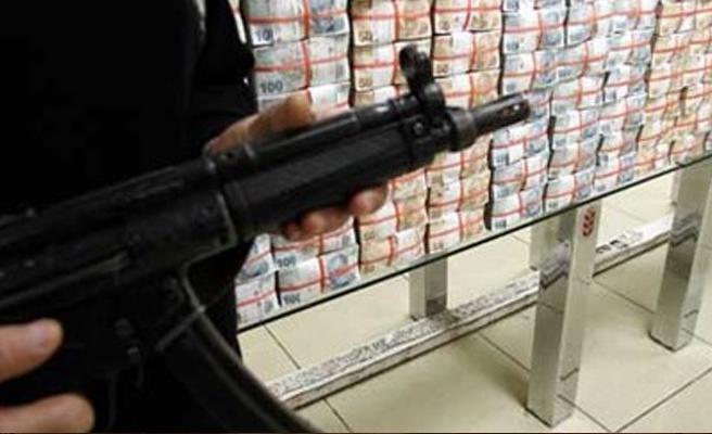 Baf Kooperatif Bankası'nda G3 tüfeğiyle soygun