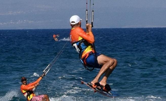 'Başka Ardalar Ölmesin' Kıte Surf Etkinliği dün Yedidalga'da yapıldı