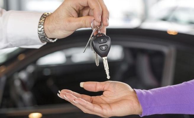Krizden önce araç satışları yükselişteydi