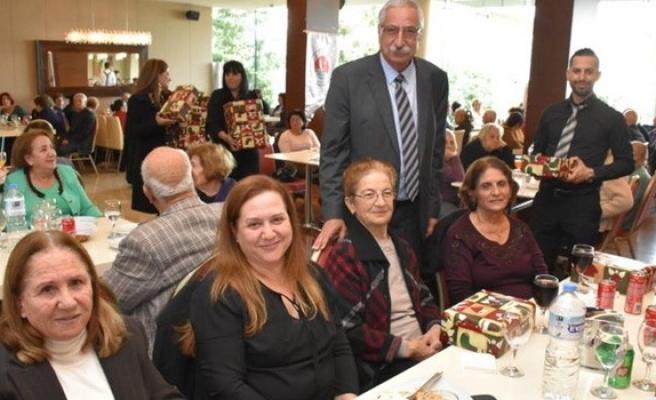 Girne Belediyesi İkinci Bahar üyeleri yeni yıl yemeğinde buluştu