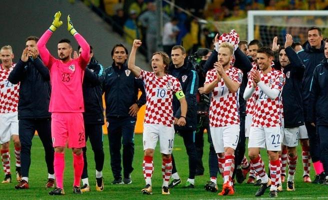 İzlanda ve Sırbistan da bileti aldı