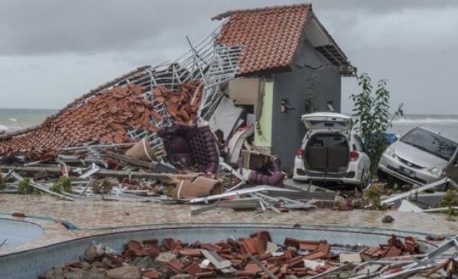 Endonezya'daki tsunamide can kaybı 373'e çıktı