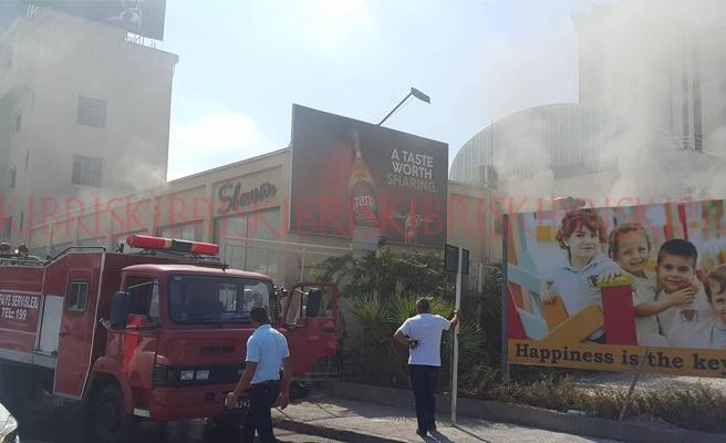 Depoda yangın: Çalışanlar dumandan zehirlendi