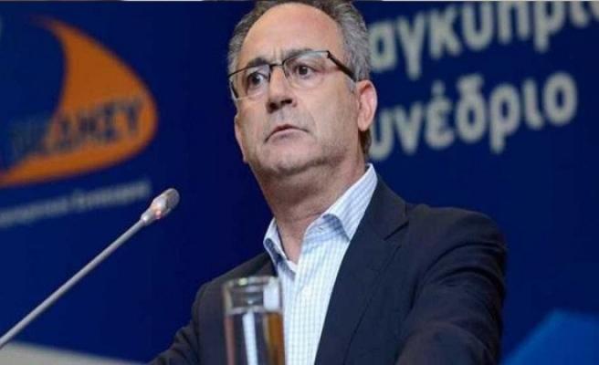 Kıbrıs sorunu saray ile iktidar partisinin arasını açtı