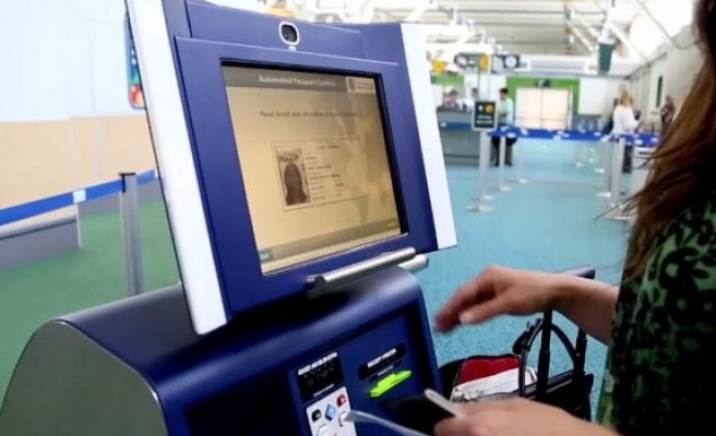 Güneydeki Havaalanlarında kimlik-pasaportlara elektronik kontrol