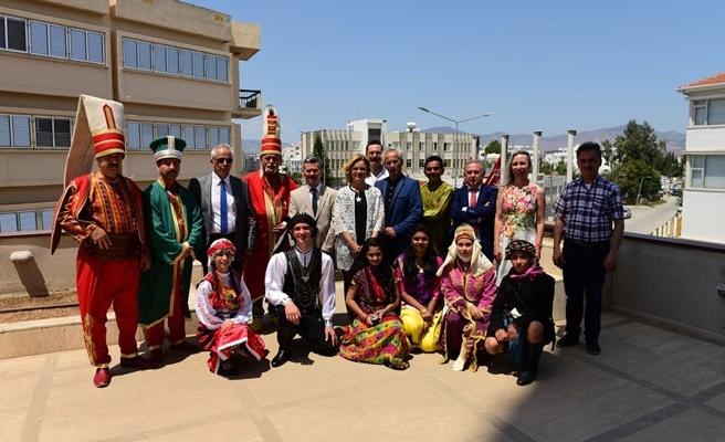 GÜSAD'ın festivaline katılan gruplardan Gençlik Dairesi'ne ziyaret