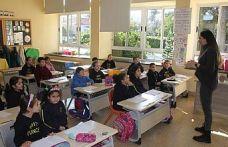 İlk ve orta dereceli okullarda ikinci dönemin ilk ders zili bugün çaldı