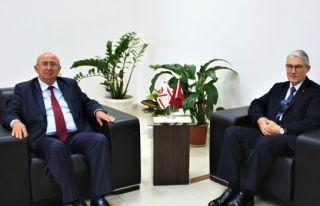 TC Lefkoşa Büyükelçisi Kanbay, Özyiğit'i ziyaret...
