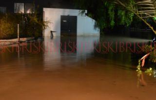 Girne'de bir otel ve sitede su baskını oldu