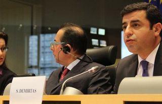 AKEL Milletvekilleri Demirtaş'ın serbest kalmasını...