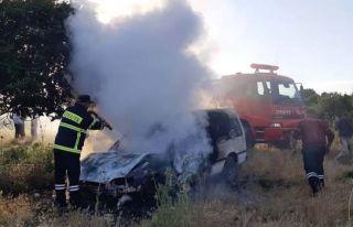 Karpaz'da araç yangını