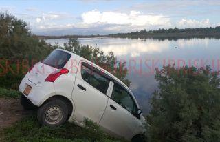 Otomobil az kalsın gölete uçacaktı
