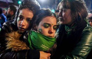 Arjantin'de kürtajı serbest kılan yasa tasarısı...