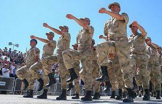 Askerlik 6 aya indi bedelli askerlik kalıcı oldu