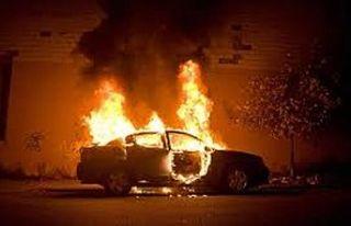 Baf'ta araba kundaklandı