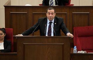 Denktaş: Esas ses çıkarması gereken Türkiye'dir